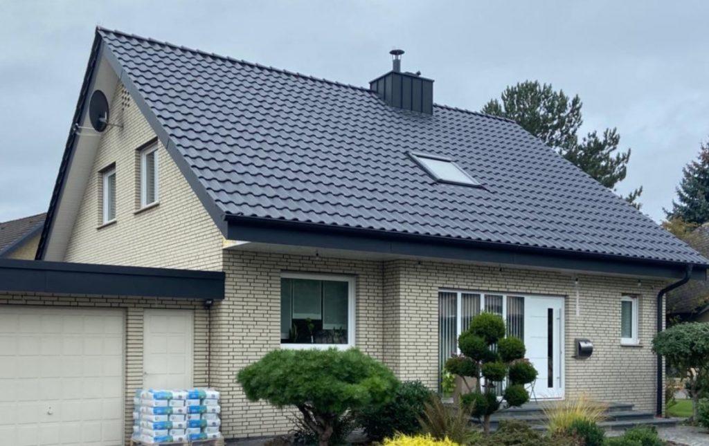 Für den Bauherren dieser Immobilie wurde eine energetische Steildachsanierung ausgeführt.